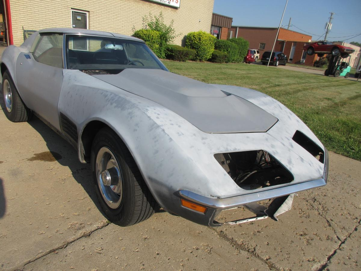 1971 C3 Corvette Coupe Project with High Performance Motor